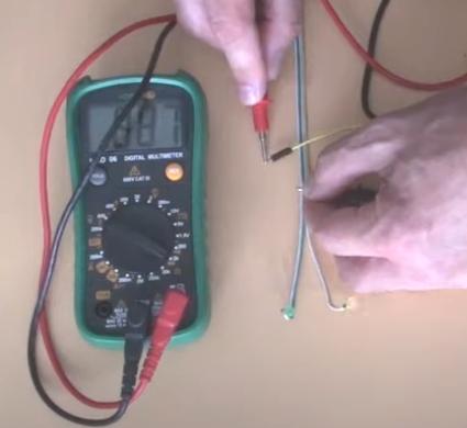 Comprobación de led con un multímetro