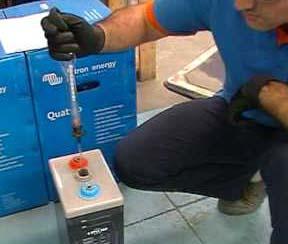 medicion de densidad de la bateria con hidrometro